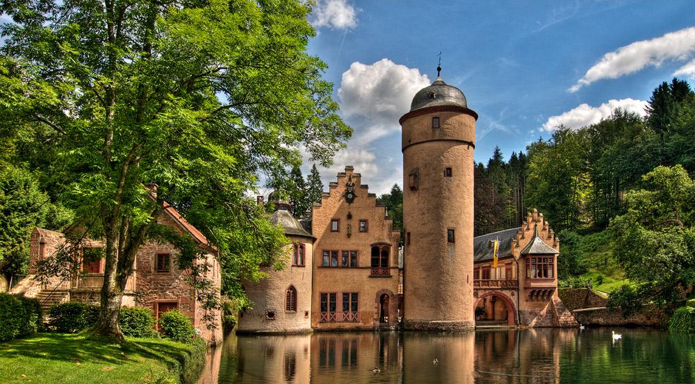 Schloss-mespelbrunn